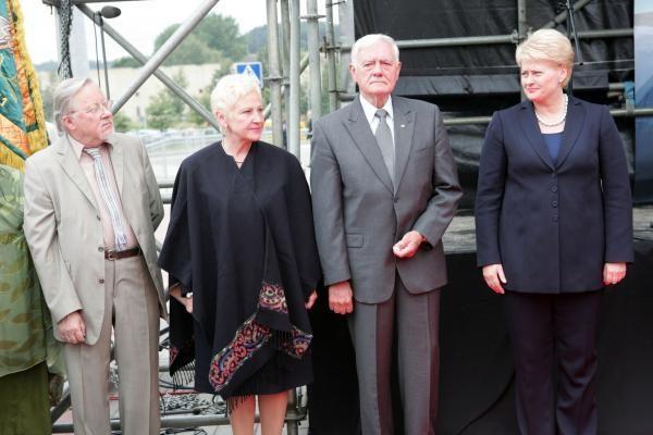Seimo pirmininkė 2011-uosius siūlo skelbti Laisvės gynimo metais