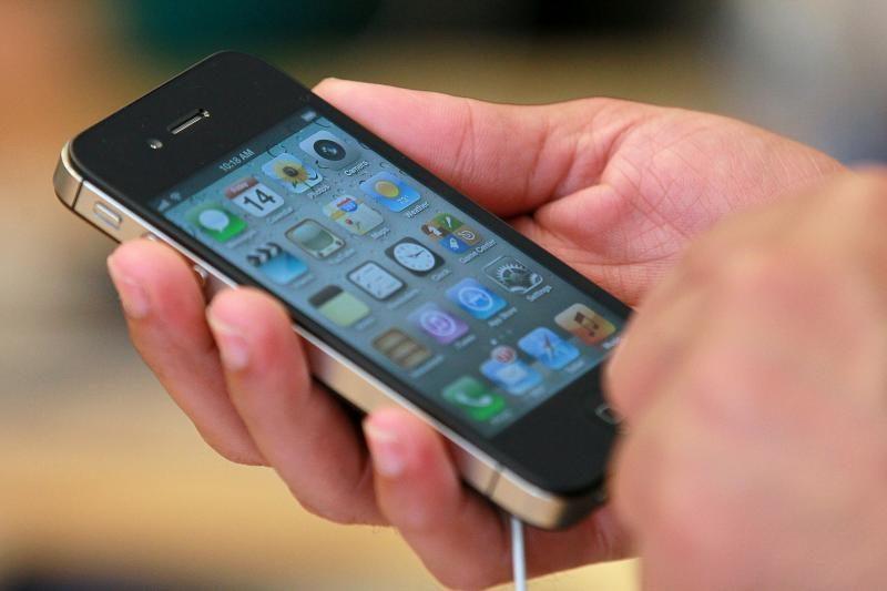 """""""Sony"""" gali tapti """"Apple iPhone 5"""" ekranų tiekėju"""