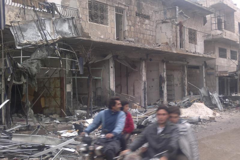 Sirijos sukilėliai teigia užėmę oro pajėgų bazę į rytus nuo Damasko