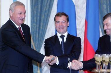 Rusija grąžino Pietų Osetijai teisę leisti pinigus