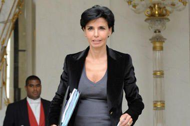 Netekėjusi Prancūzijos ministrė vaiko tėvo neišduoda