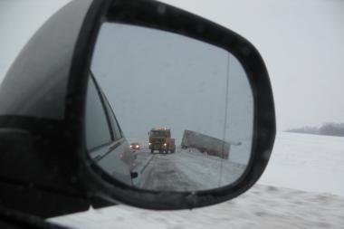 Keliuose bus diegiama eismo informacinė sistema