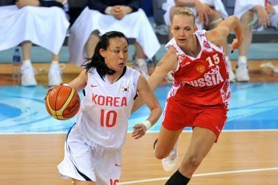 Rusijos krepšininkės po sunkios kovos nugalėjo korėjietes
