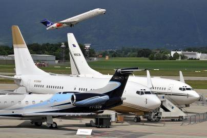 Nebeliks klaidinančių lėktuvų bilietų kainų