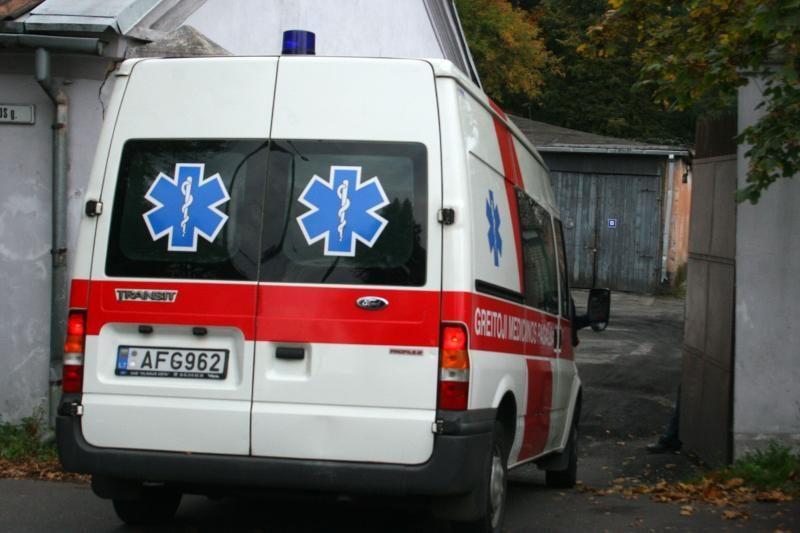 Vilniuje girta duktė motinai nukando ausį