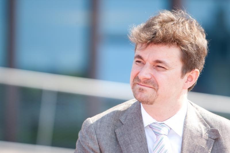 """A. Danys traukiasi iš """"Swedbank"""" vadovo posto"""