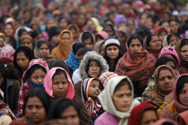 Išžaginimas Indijoje į paviršių iškėlė įsisenėjusias moterų problemas