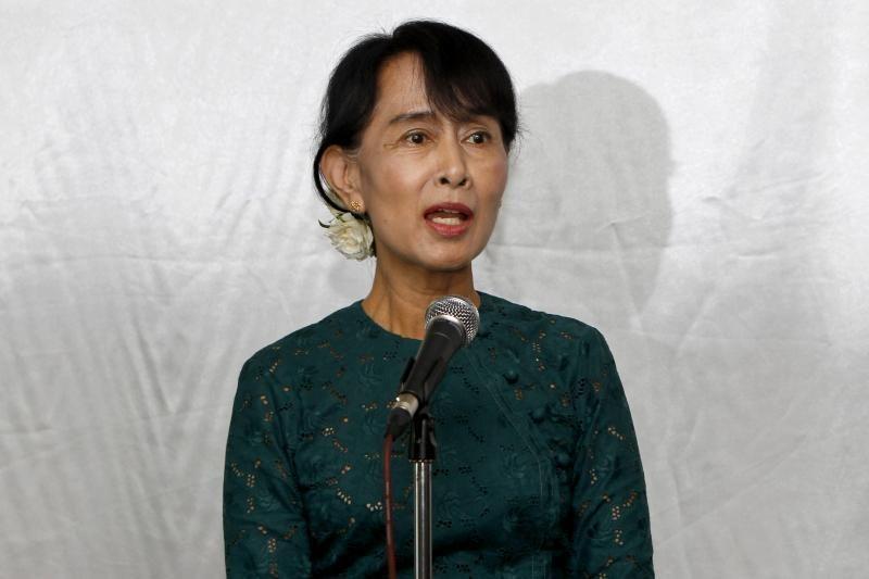 Aung San Suu Kyi debiutavo parlamente