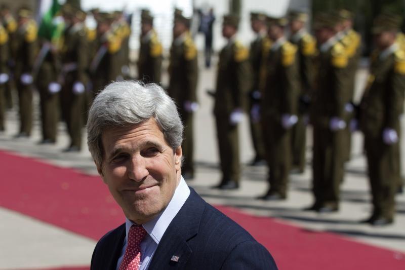 JAV valstybės sekretoriaus J. Kerry netikėtas vizitas į Bagdadą