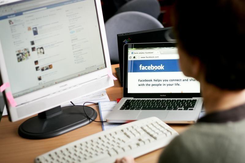 """Kaip policija gauna informaciją apie įtariamuosius iš """"Facebook""""?"""
