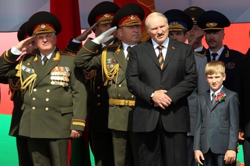 Baltarusija legalizavo sąrašus tų, kuriems uždrausta vykti į užsienį