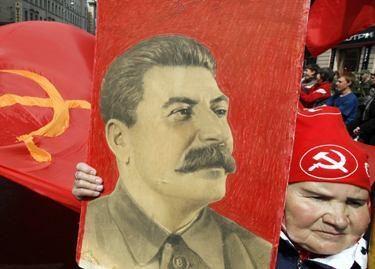 Maskva atsisako J.Stalino portretų gegužės 9-ajai skirtuose plakatuose