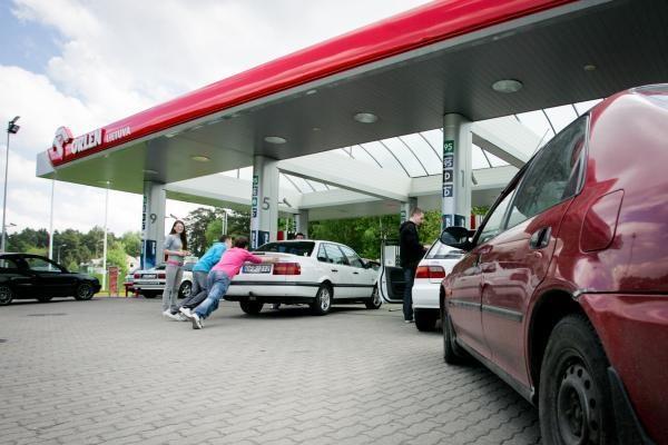 Benzino ir dyzelino kainos per savaitę nesikeitė
