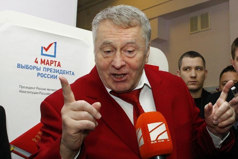 """V.Žirinovskis užsipuolė balsavimo kabinas kaip """"profanaciją"""""""
