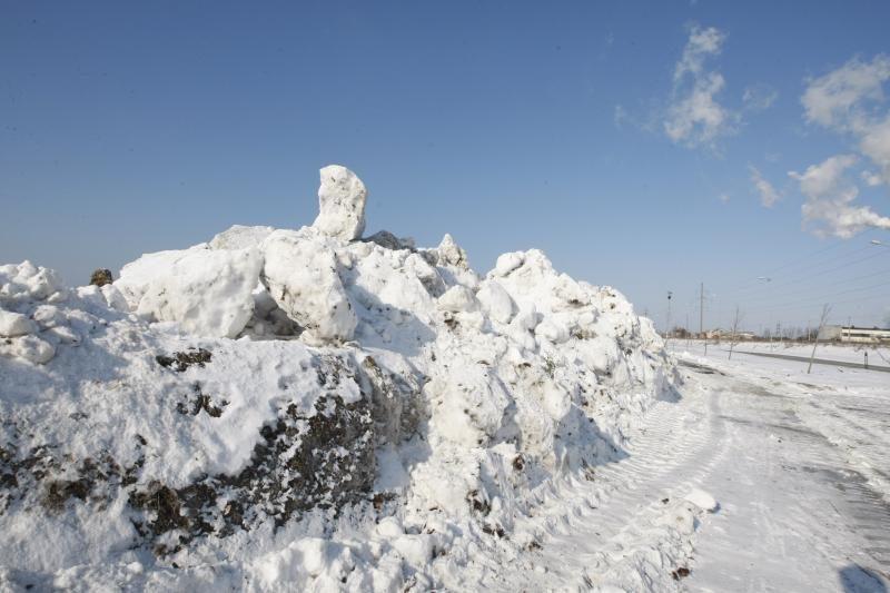 Gatvių tvarkymui – 12 milijonų, o sniego išvežimui – 200 tūkst. litų?