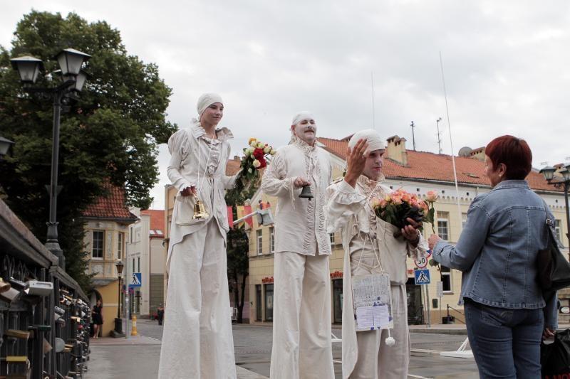 Klaipėdos jubiliejaus rytą – malonios staigmenos gyventojams