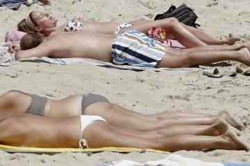 Nuogaliai kėsinasi į paplūdimius