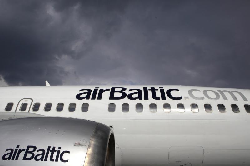 """Latvija pasiūlė Estijai sujungti """"airBaltic"""" ir """"Estonian Air"""""""