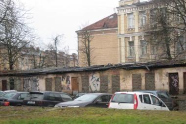 Vilniuje įpusėjo pavojingų pastatų tvarkymo darbai