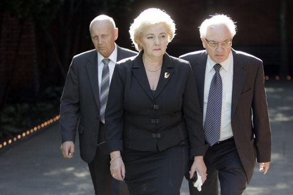 Prezidento laidotuvių mišios Vilniuje – be jo žmonos ir be partijos narių (papildyta)