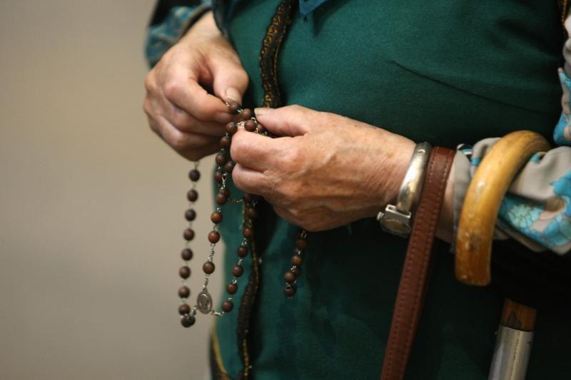 Piligrimai žygiuoja iš Kryžių kalno į Šiluvą