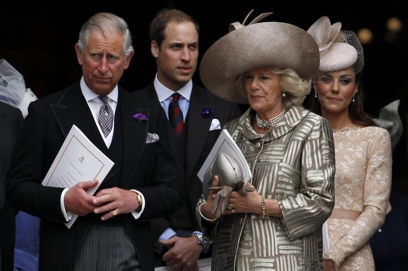 Princas Charlesas privačiai lankosi Transilvanijoje