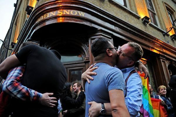 Homoseksualų partnerystės įteisinimas gali prieštarauti Konstitucijai?