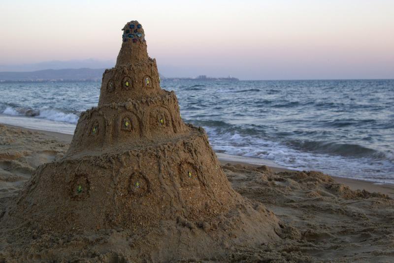 Fizikai: statyti smėlio pilis – ne vaikų žaidimas