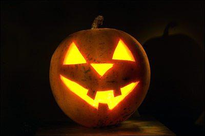 Helovino naktį laukiama internetinių sukčių suaktyvėjimo