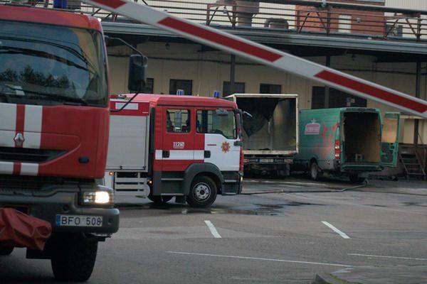 """Bendrovėje """"Vilniaus degtinė"""" griaudėjo sprogimai"""
