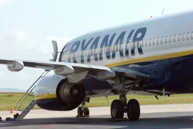 """""""Ryanair"""" toliau šiurpina keleivius"""