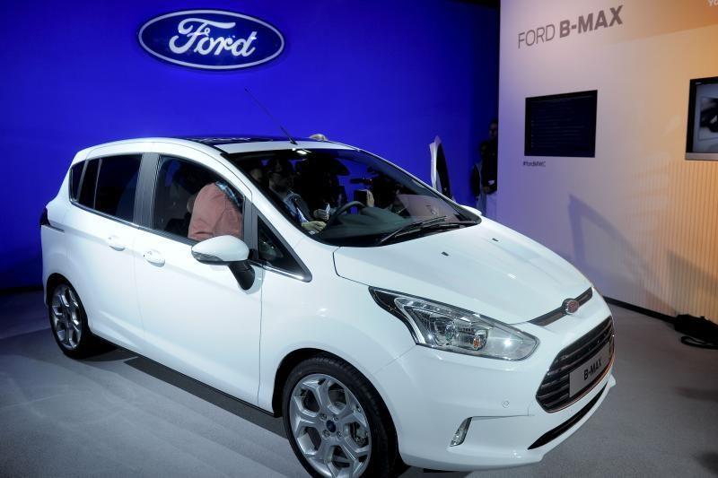 Po dešimtmečio dauguma galės važinėti automobiliais be vairuotojų