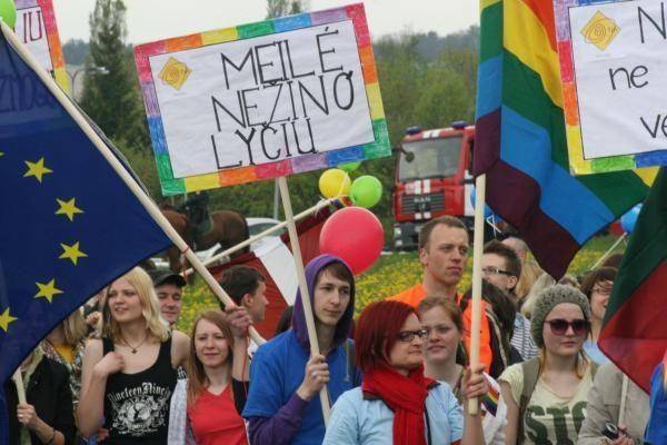 Apklausa: gėjų eitynėms nepritaria 62 proc. lietuvių