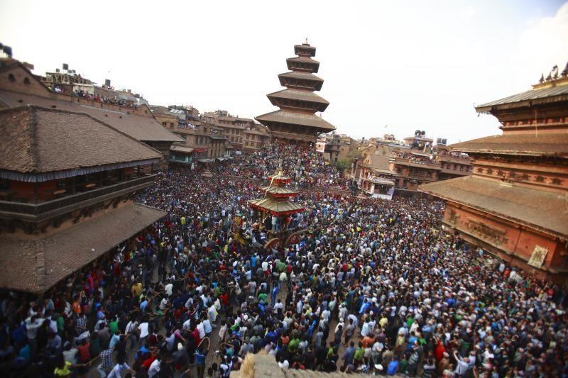 Nepale per Naujųjų metų šventę vežimas mirtinai prispaudė du žmones