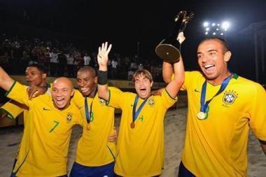Paplūdimio futbolo auksas lengvai atiteko brazilams