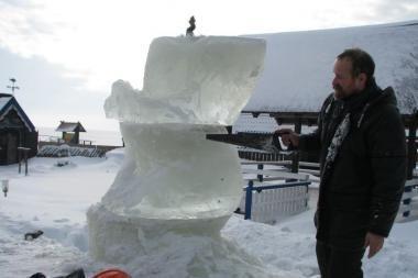 Kuršių marių krantinę puoš ledo skulptūros