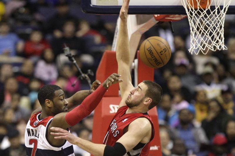 J. Valančiūnas iš NBA vasaros lygos grįžta į Lietuvą patyręs smulkią traumą
