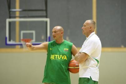 """R.Kurtinaitis: """"Žalgirio"""" ir VEF šansus laimėti vertinu vienodai"""
