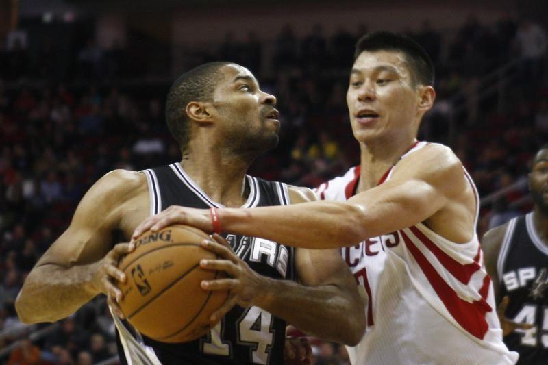 """Be D. Motiejūno ir J. Hardeno žaidusi """"Rockets"""" pralaimėjo """"Spurs"""
