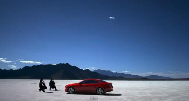Su humoru: juokingiausios automobilių reklamos