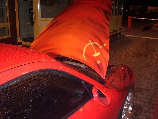 """Į Lietuvą neįleistas sovietine simbolika paženklintas """"Porsche"""