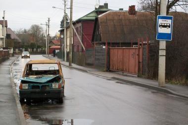 Apleistiems automobiliams gatvė - ne vieta