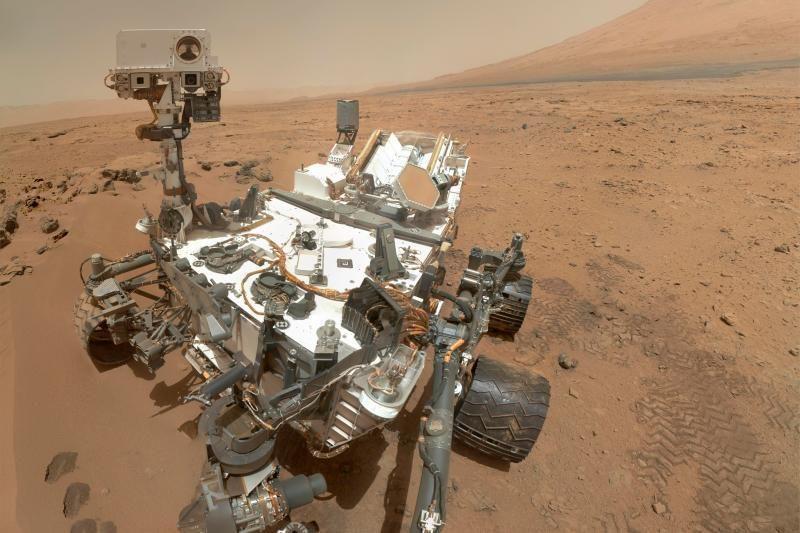 """Intriga: ką sukrečiančio ką tik Marse atrado marsaeigis """"Curiosity""""?"""