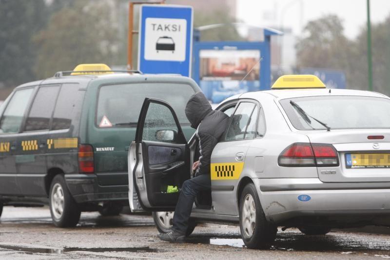 Vilnietis taksi automobiliu vežė šešis nelegalus iš Gruzijos