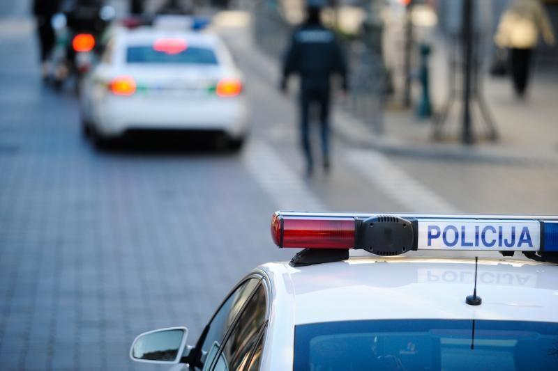 Policija: privalu laikytis automobilių statymo tvarkos