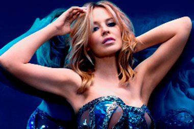 Kovą su vėžiu laimėjusi K.Minogue jaučiasi grįžtanti į įprastas vėžes