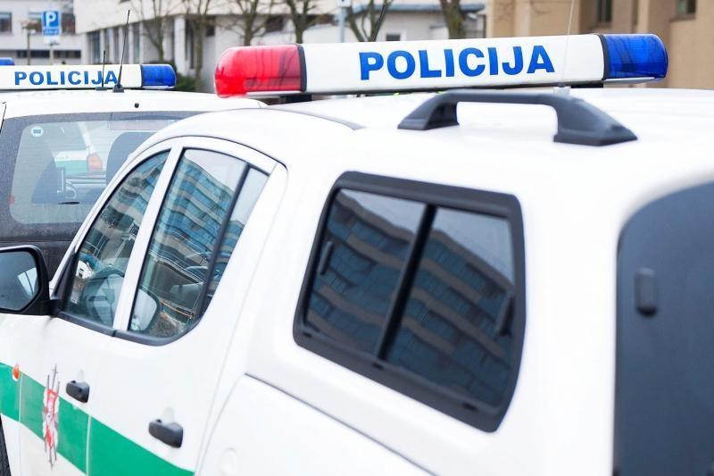 Policija sulaikė klaipėdietį su trimis maišeliais svaigalų