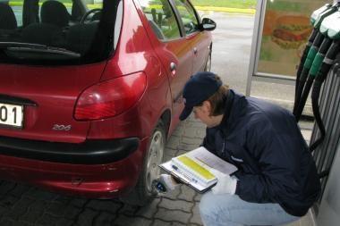 Vairuotojai nekreipia dėmesio į slėgį padangose