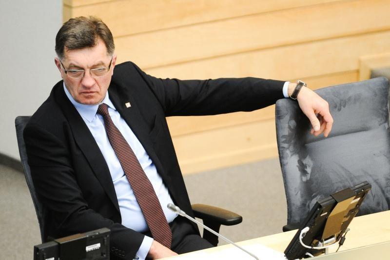 Už pažemintą garbę A.Butkevičiui iš I.Degutienės vyro priteistas 1 Lt