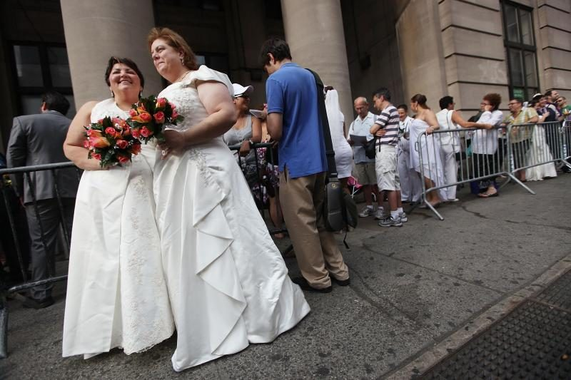 Prancūzijoje homoseksualai galės tuoktis ir įsivaikinti nuo 2013 m.